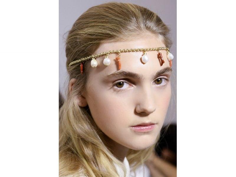 capelli-gli-accessori-estivi-per-impreziosire-la-chioma-Fausto-Puglisi_bst_W_S18_MI_087_2800100