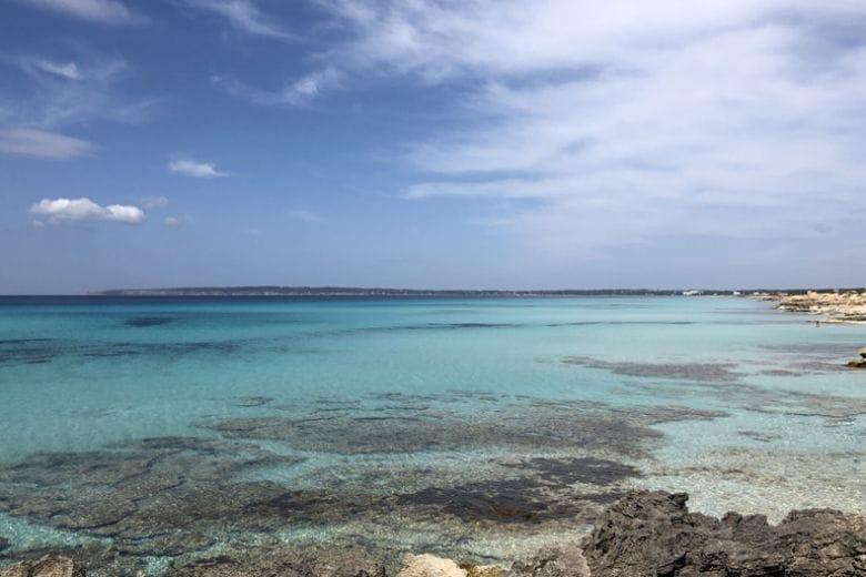 La porta del cuore: un libro e 4 tappe per innamorarsi di Formentera