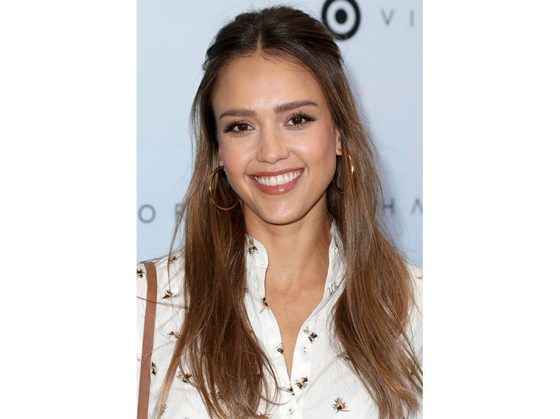 jessica alba beauty look capelli make up (20)