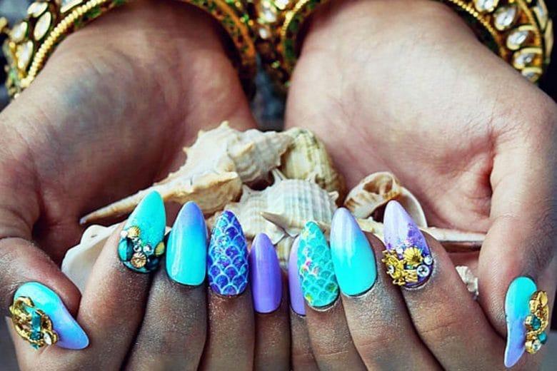 Mermaid nail art: unghie ispirate alle sirene per la manicure estiva