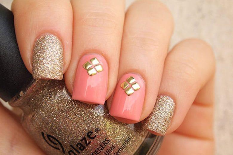 Nail art gold: le unghie oro per brillare