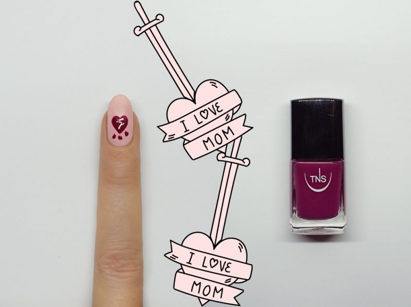 nail-art-i-love-mom-accent-step2