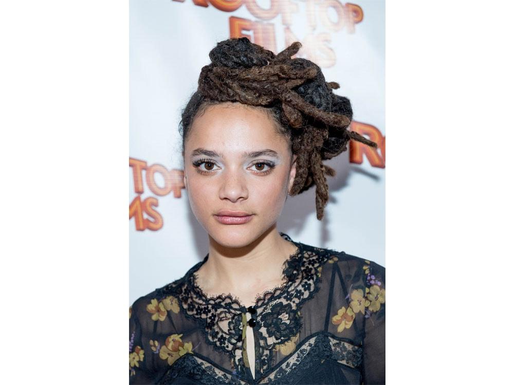 sasha-lane-beauty-look-capelli-make-up-06