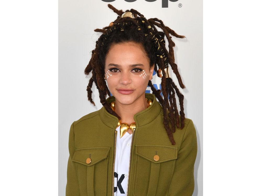 sasha-lane-beauty-look-capelli-make-up-08