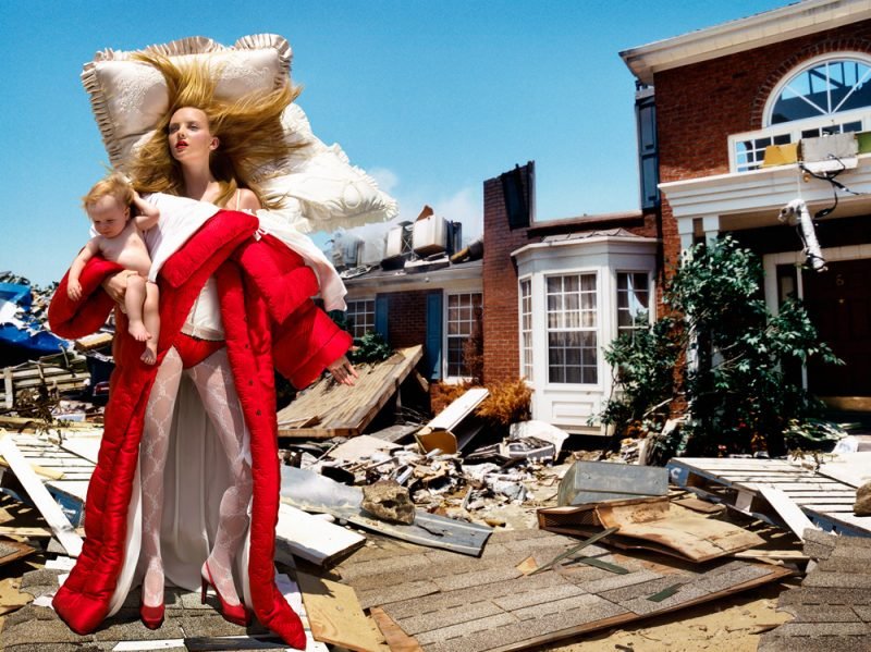 02_Viktor&Rolf_The_House_At_The_End_Of_The_World,-©-David-LaChapelle-Studio