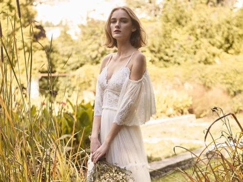 001bb219834e Abiti da sposa bohemien  10 vestiti in stile boho chic per il 2018