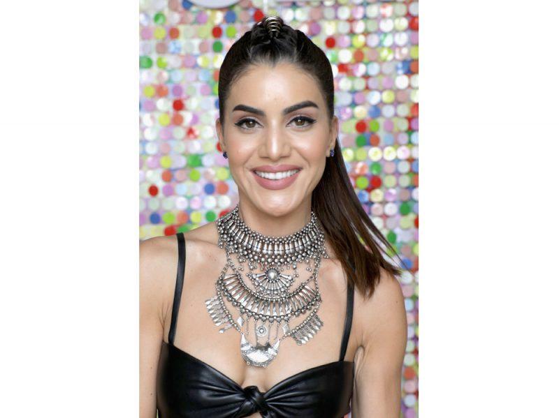 Camila Coelho beauty look (3)