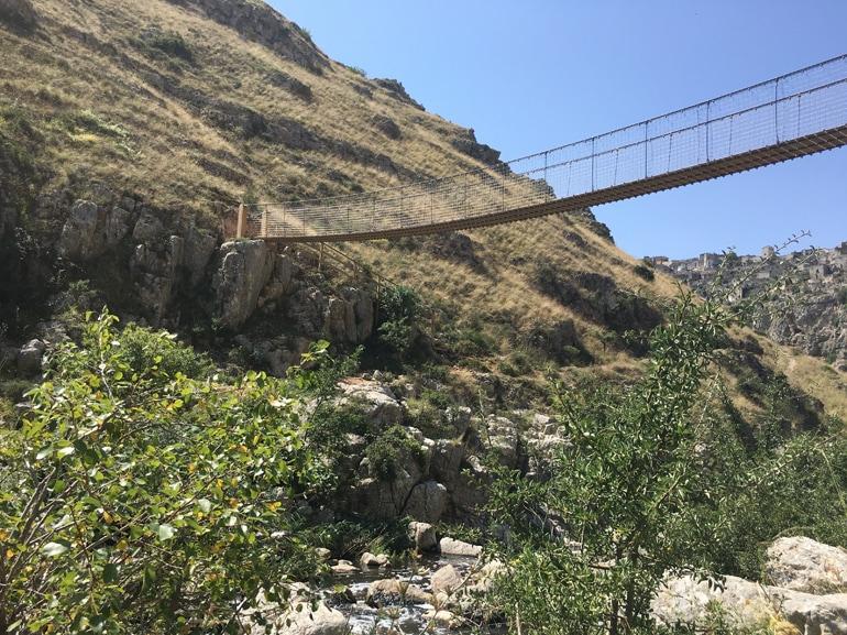 Cammino Materano – ponte tibetano a Matera