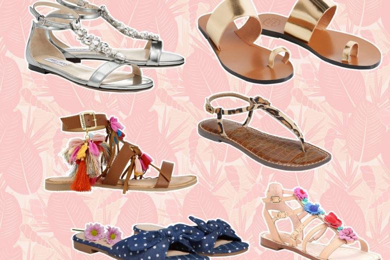 Sandali flat: stare con i piedi per terra è di moda