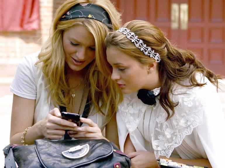 Serena e Blair telefono