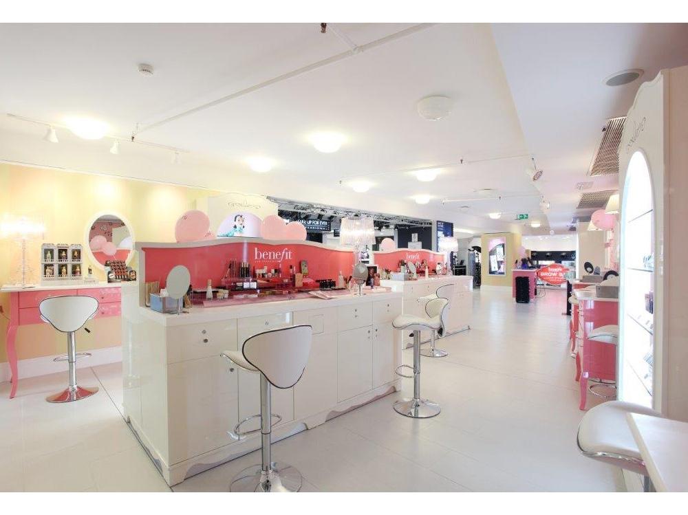 cinque-indirizzi-per-sopracciglia-perfette-a- Milano-Boutique1jpg (1)