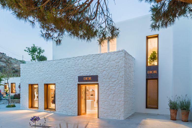 Dior: l'esclusivo Pop-Up Store a Mykonos