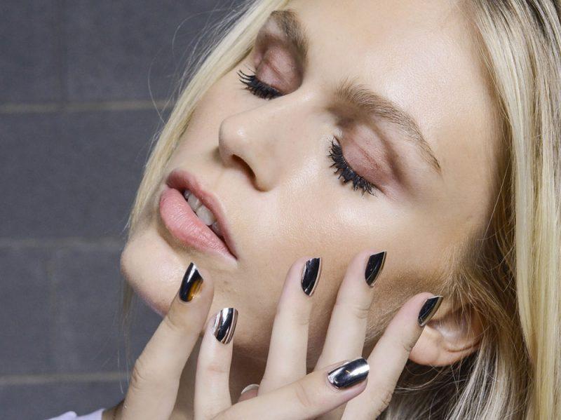 nail-art-argento-unghie-silver-manicure