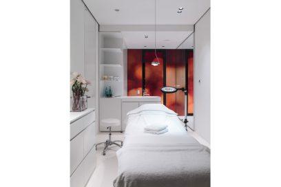 ossigeno-dai-prodotti-ai-trattamenti-specifici-la-sua-importanza-per-la-pelle-Lanserhof Tegernsee_Treatment Room