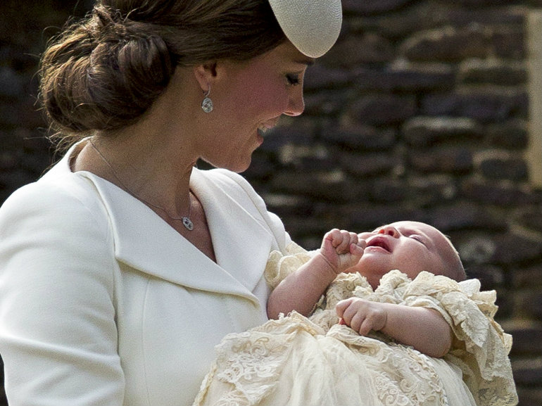 royal baby battesimo outfit