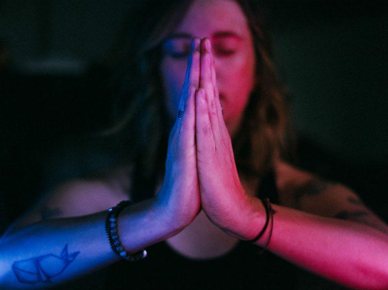 yoga meditazione donna