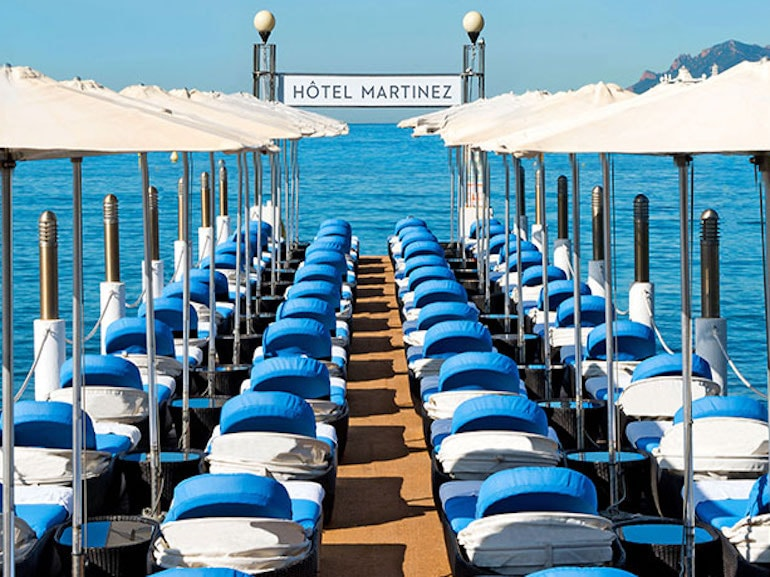 z place dell'hotel martinez beach club cannes