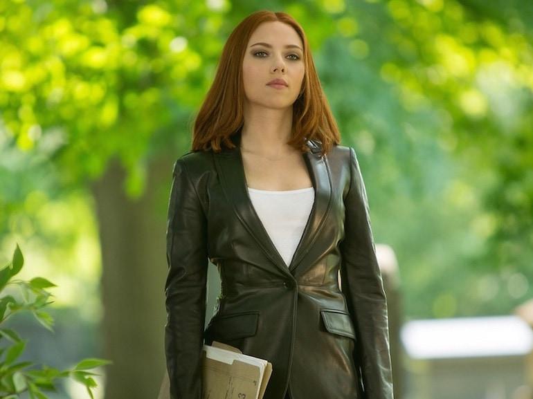 Scarlett Johansson giacca di pelle