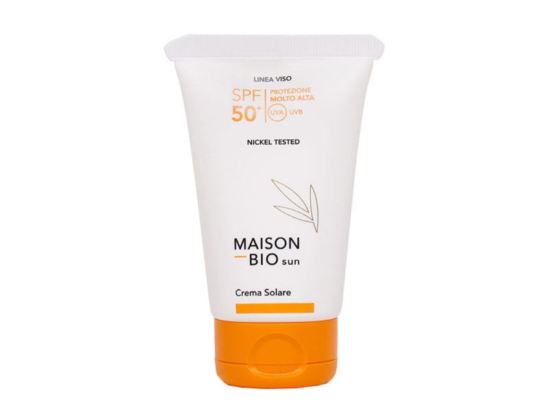 beauty-estivo-cosa-mettere-nella-borsa-da-spiaggia-Maison Bio Crema Solare SPF 50+ linea viso