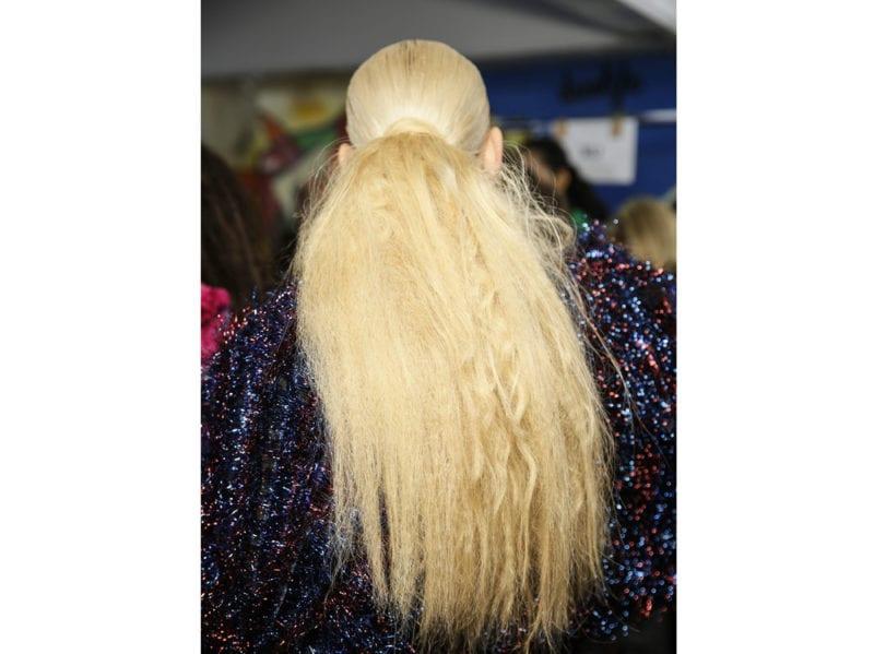 capelli-in-estate-le-acconciature-facili-da-provare-in-spiaggia-Halpern_bst_W_F18_LO_067_2914952