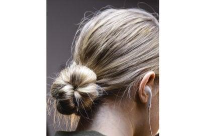 capelli-in-estate-le-acconciature-facili-da-provare-in-spiaggia-Marcel-Ostertag_bst_W_F18_NY_034_2914143