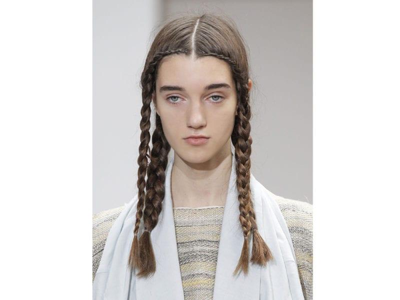 capelli-in-estate-le-acconciature-facili-da-provare-in-spiaggia-Nehera_clp_W_S18_PA_042_2798269
