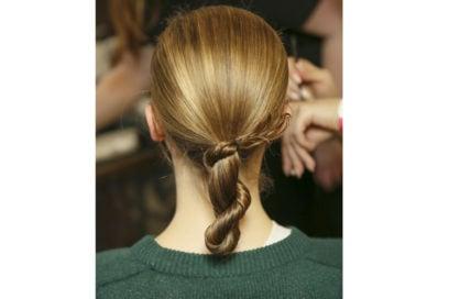 capelli-in-estate-le-acconciature-facili-da-provare-in-spiaggia-Palmer-Harding_bst_W_F18_LO_008_2913740