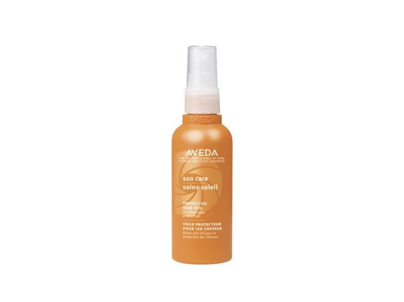 capelli-in-vacanza-come-proteggerli-dai-danni-di-cloro-salsedine-e-sole-sun care protective hair veil