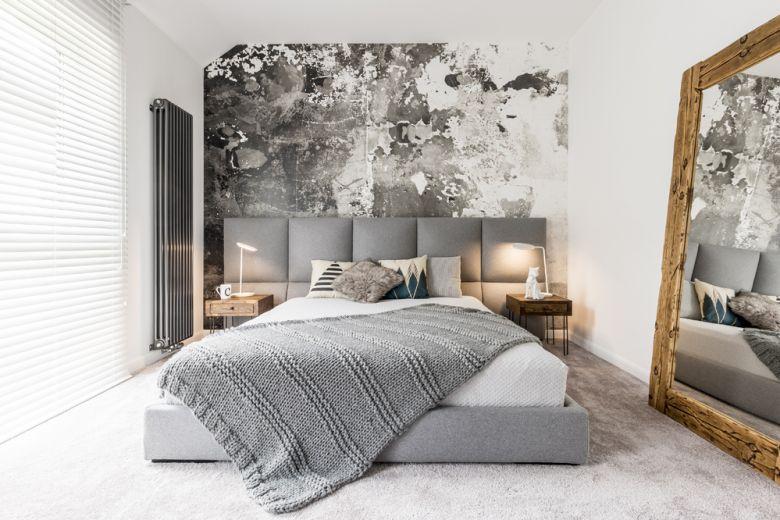 Camera da letto lunga e stretta: come arredarla per renderla più grande