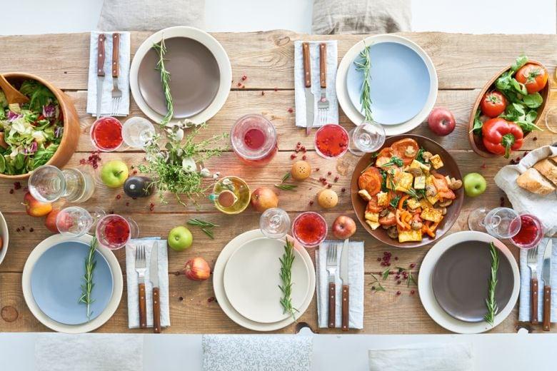 10 idee originali per decorare la tavola dell'estate