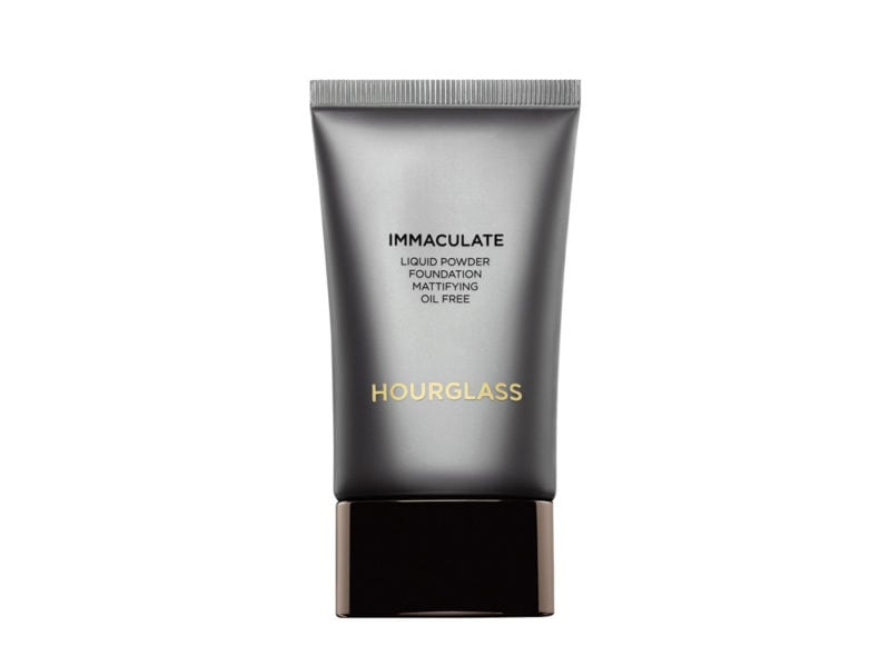 hou023_hourglasscosmetics_immaculateliquidpowderfoundation_1_1560x1960-vbf12