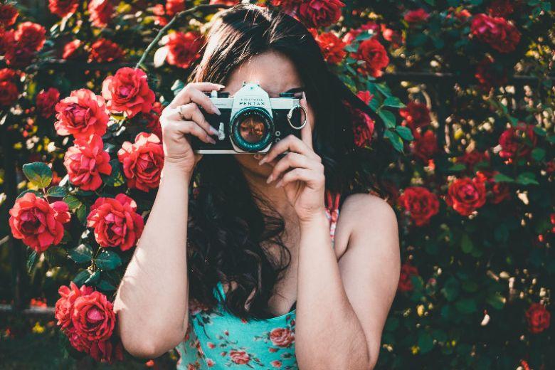 Come si usa Huji Cam, l'app per foto rétro che fa impazzire Instagram