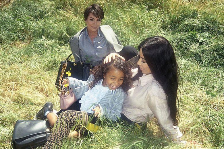La figlia di Kim Kardashian debutta come modella insieme alla mamma