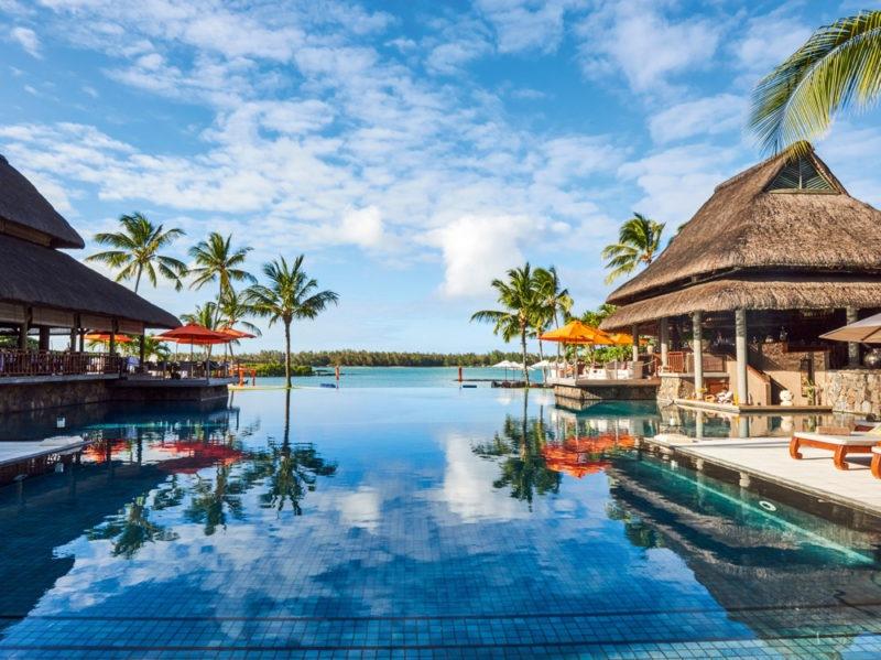 mauritius-in-beauty-i-prodotti-da-portare-sullisola-e-un-trattamento-spa-tipico-prince-maurice-2016-ab-pool-exterior-02