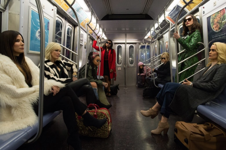 Ocean's 8: i costumi e i look ispirati al film più fashion dell'estate