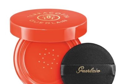 srilanka-12-prodotti-beauty-per-una-fuga-nelloceano-indiano-terracotta sun cushion naturel 01 guerlain_cat18_g042578_w