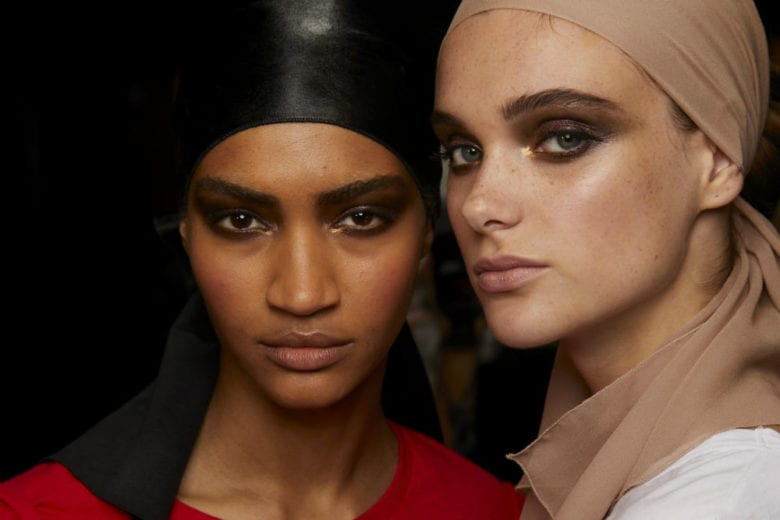 Tom Ford PE 2019: labbra neutral nude e smokey eyes bohèmien per un look anni 80