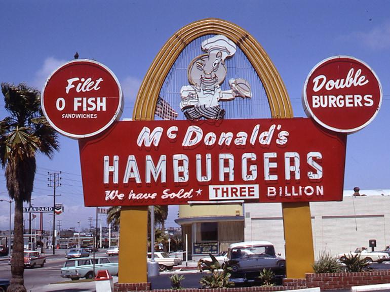 Insegna ristorante McDonalds Fresno_anni 70