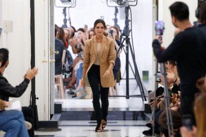 Victoria Beckham: la sfilata primavera-estate 2019 per i 10 anni del brand