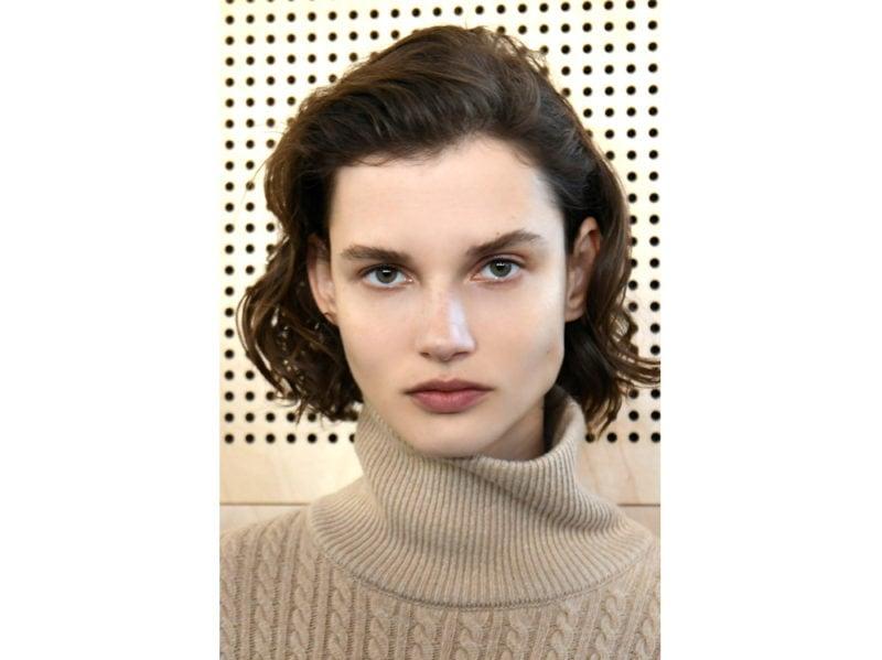 capelli a onde tendenza wavy hair autunno inverno 2018 2019 (10)
