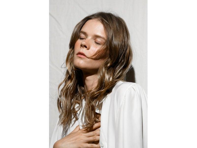 capelli a onde tendenza wavy hair autunno inverno 2018 2019 (6)