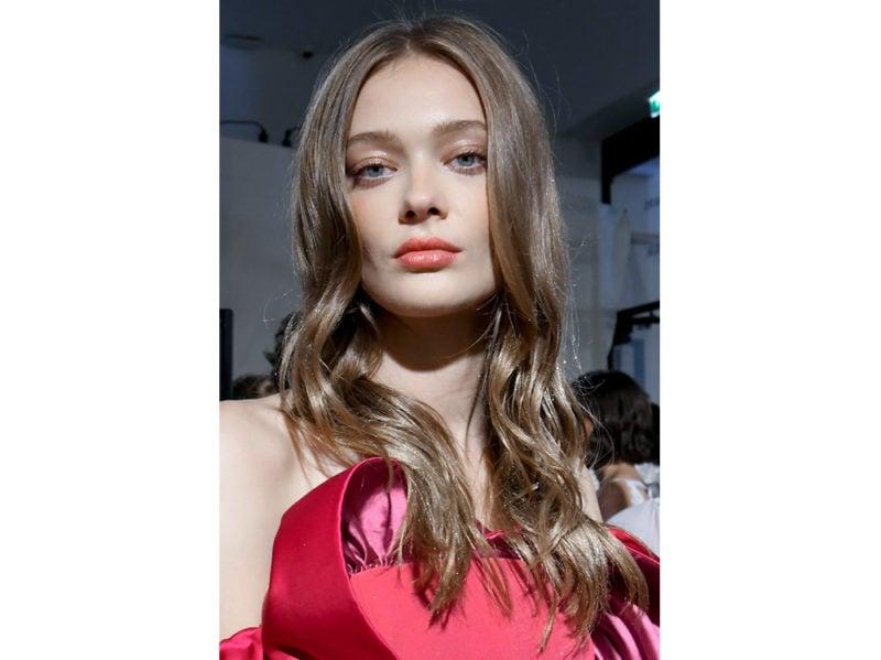 capelli a onde tendenza wavy hair autunno inverno 2018 2019 (7)