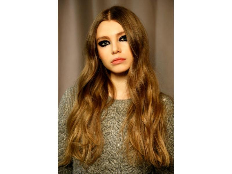 capelli a onde tendenza wavy hair autunno inverno 2018 2019 (8)