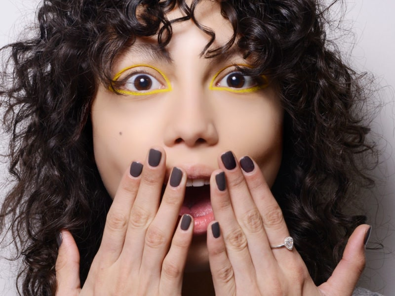 dark nails unghie scure tendenza nail art autunno inverno 2018 2019 (1)