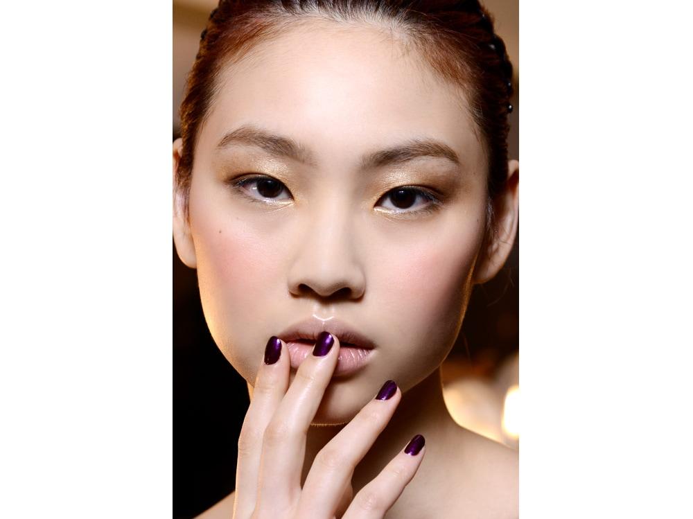 dark nails unghie scure tendenza nail art autunno inverno 2018 2019 (3)