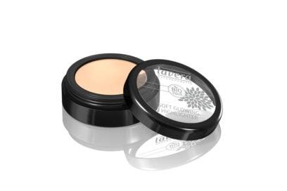 lentiggini-come-esaltare-con-la-base-make-up-giusta-LAVERA-Soft-Glowing-Highlighter—Golden-Shine-03