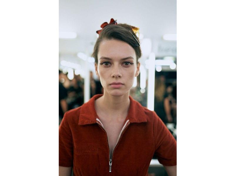 marco-de-vincenzo-primavera-estate-2019-beauty-look-make-up-mac-capelli-tigi-02