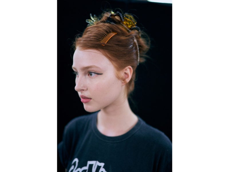 marco-de-vincenzo-primavera-estate-2019-beauty-look-make-up-mac-capelli-tigi-05