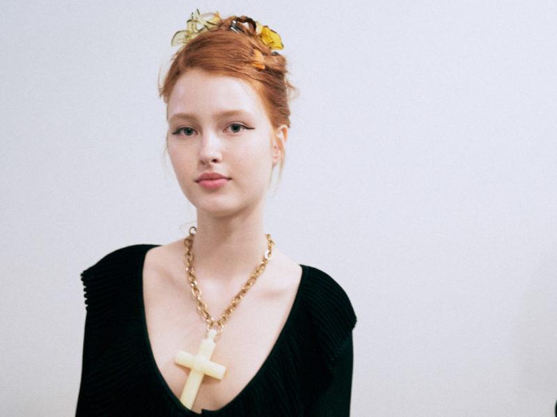 marco-de-vincenzo-primavera-estate-2019-beauty-look-make-up-mac-capelli-tigi-11