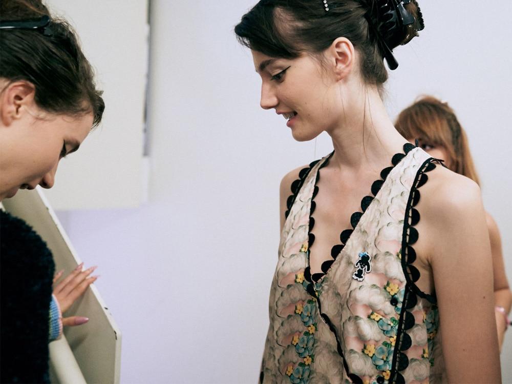marco-de-vincenzo-primavera-estate-2019-beauty-look-make-up-mac-capelli-tigi-13